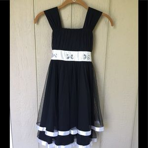 My Michelle Size 8 Black And White Butterfly Dress